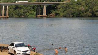 Rio e arroios nos enriquecem. A poluição deles nos ameaça